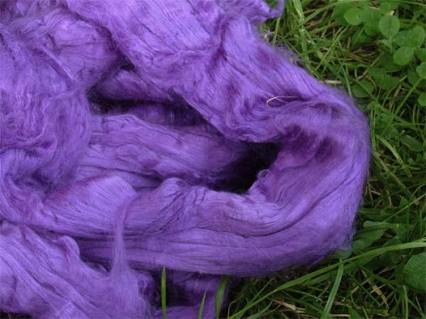 buntgefärbte Maulbeerseide - amethyst-lila extra fein im Band