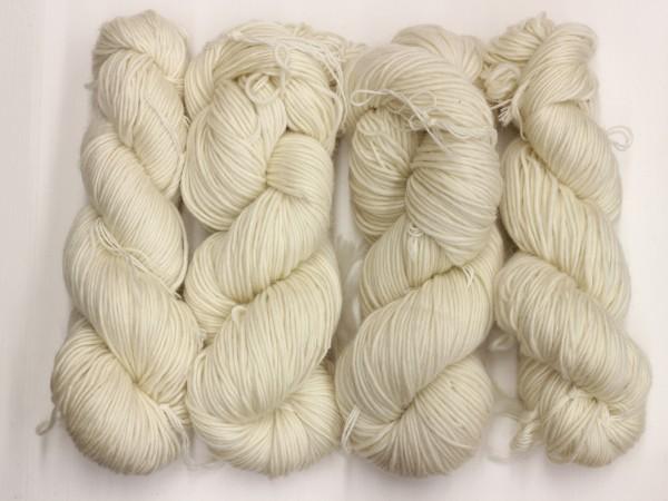 Dochtgarn Oberstdorf 200m 100% Wolle (superwash) naturweiß 100g