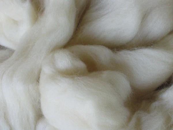 Süddeut. Merinwolle - naturweiß fein 28 mic im Band