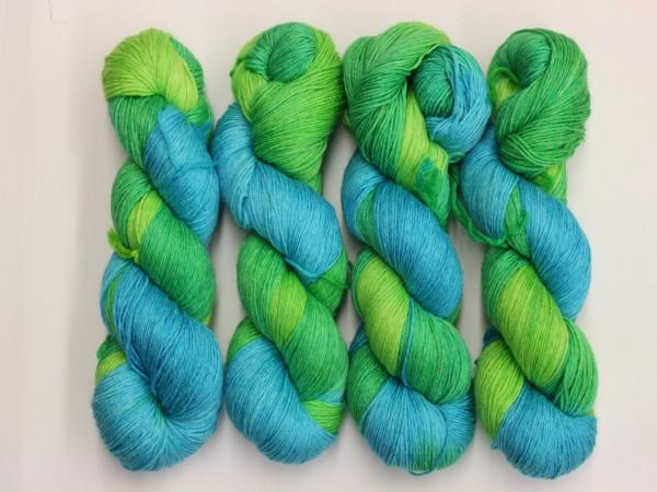 Sockengarn Mailand 425m 20% Ramie - 60% Wolle - 20% Seide - grün-türkis handgefärbt 100g
